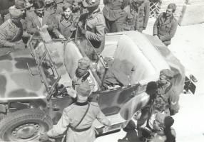 02.Principe Umberto con gli Alpini