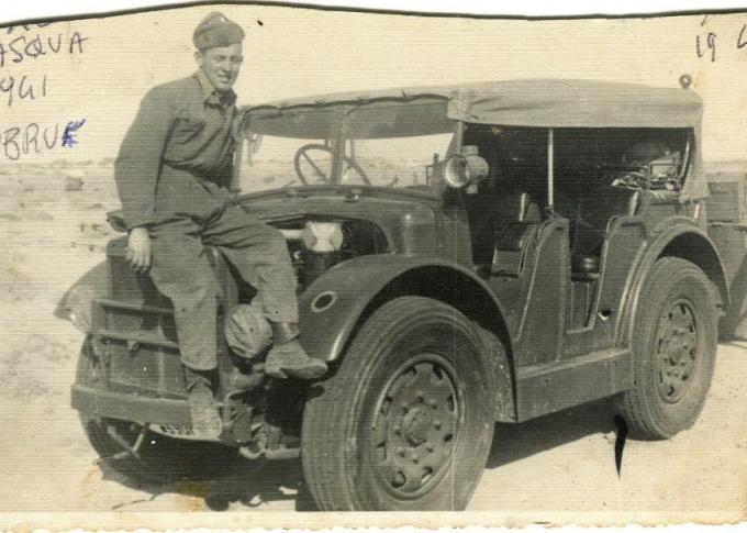 01.Pasqua a Tobruch 1941